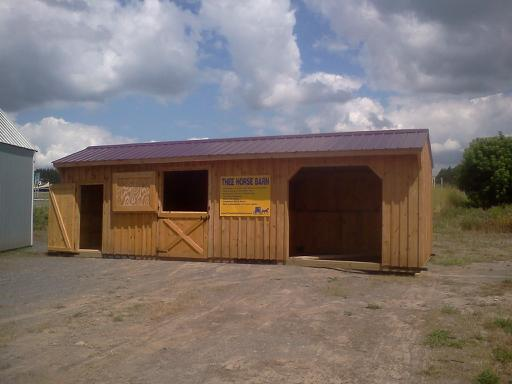 Combination run-in, stall, and tack room