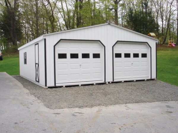 3 Car Garage With Center Door 22114sl: The Amish Group